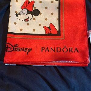 Pandora Minnie Mouse scarf